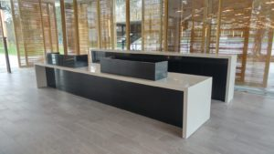 bar en solid surface